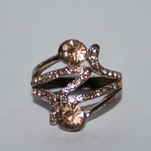 Pretty gold and morganite ring size 7
